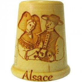 Dé à Coudre en Bois gravé Couple d'Alsacien et Alsace