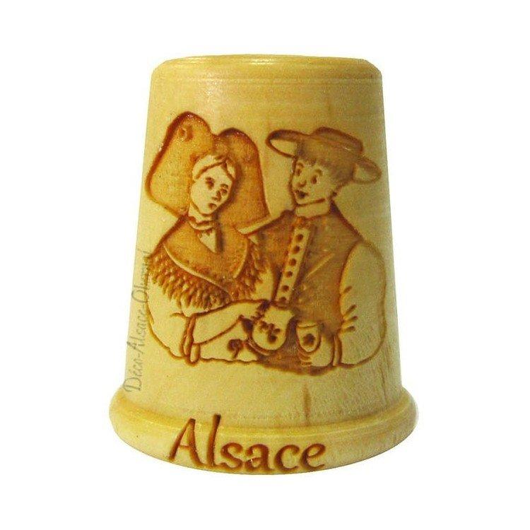Dé à Coudre en Bois gravé Couple d'Alsacien entier et Obernai