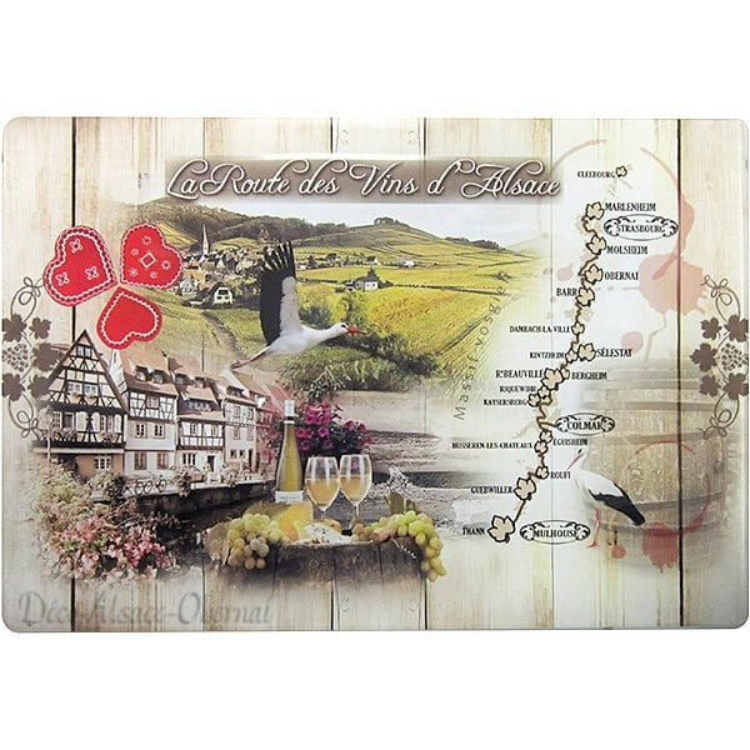 Découvrez Planche à découper décor Route des Vins d'Alsace au Magasin La Boite aux Trésors à Obernai