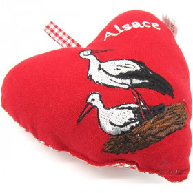 Coeur d'Alsace Rouge rembourré en Tissus brodé Cigognes et Alsace sur fond Vichy