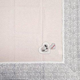 Nappe carrée 90 cm x 90 cm Beige Brodé Coeurs et Cigognes et Dentelles La Boite aux