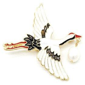 Ausgefallene goldene Metallbrosche Stork im Flug und Baluchon in Perle in La